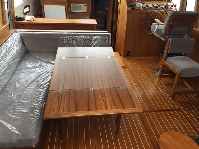 nytt teakbord inredning båt